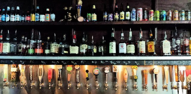 Loosey's Draft Beer with 25 Taps of American Brewed Beer